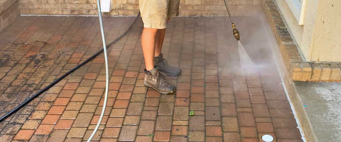 power washing brick paver court yard